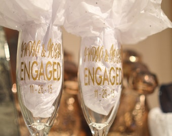 SET of Custom Champagne Flutes: Engaged! / Engagement