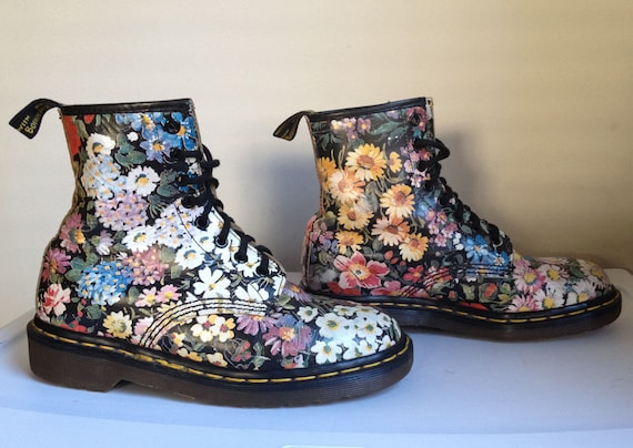 Amazing Dr Martens Womens 1460 Floral Flower 8 Eye Ankle Boots  Various