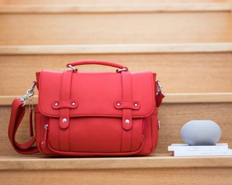 Stylish DSLR Camera Bag - Cherry Red   Carries 2-3 lenses   Travel   Messenger Style   Fully Padded & Adjustable Dividers