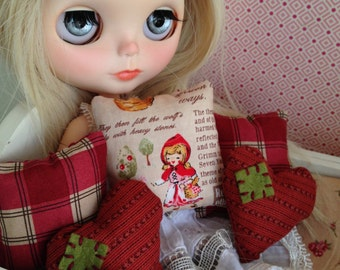 "Blythe accessories:Pillow 1/6 scale "" Little red riding hood"".Blythe furniture.Blythe diorama.1 6 scale accessories."