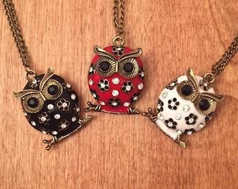 Owl Enamel Pendant Necklace - Vintage Look - Flower Rhinestones Trendy Fashion
