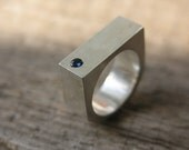 Blue sapphire geometric silver ring (hollow sharp edges original unisex)