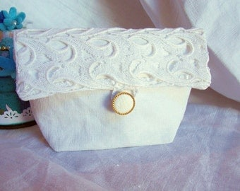 Beautiful pouch former white linen cloth, lace wide old