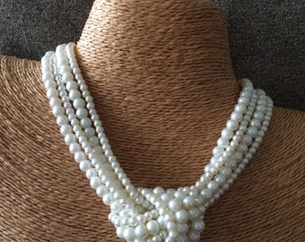 pearl necklace, knotted pearl necklace, ivory pearl bridesmaids necklace, chunky pearl necklace, bride necklace, statement necklace, pearls