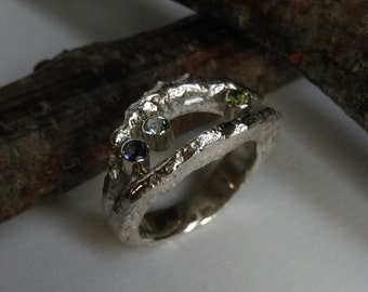 Ring with Peridot, Iolite & aquamarine