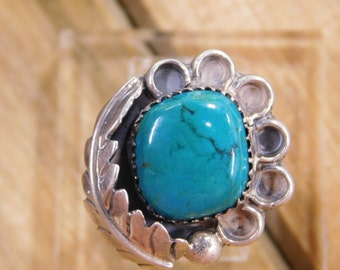Beautiful Flower Turquoise Sterling Silver Ring