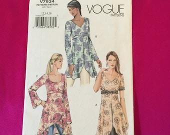 Uncut Vogue tunic pattern sizes 12, 14, 16
