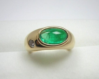 2.28 ct Colombian Cabochon Emerald and Diamond Ring 18K Yellow Gold