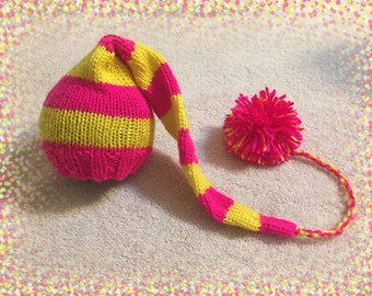 Newborn striped hat/Long tail/Hand knitted/Photography Prop