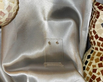 Diamond Earrings white stone is precious and Silver 925