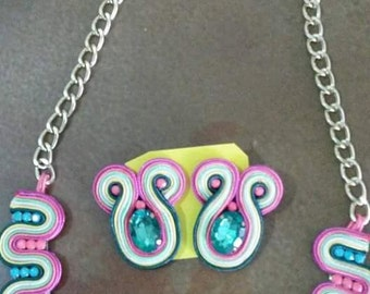 Necklace and earrings of colors / informal jewerly
