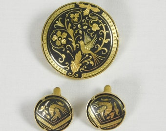 1950s Toledo Spain Fine Gold Metal Clip Earrings and Brooch Pin Damascene Artisans Spanish Birds Flowers Intricate Design Black Vintage
