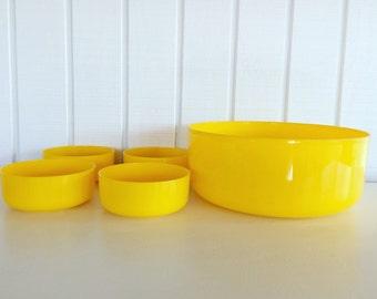Bright Yellow Plastic Bowls Set of 5
