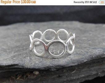 Mothers Day SALE Bubble ring, sterling silver 0.925, circle ring, infinity ring, eternity band, engagement ring.