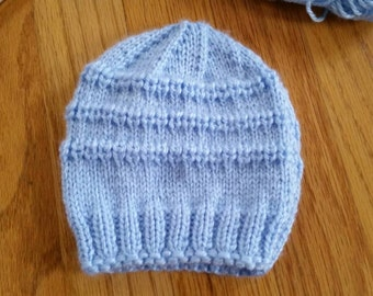 Knitted baby hat, size 0-3 months, blue color