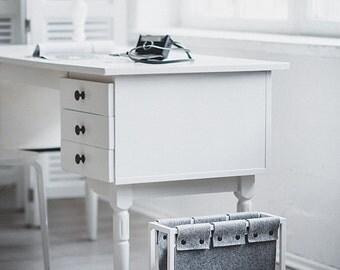 Scandinavian style magazine rack | magazine holder | felt organizer | Zeitungsständer | vinyl records stprage | white magazine rack