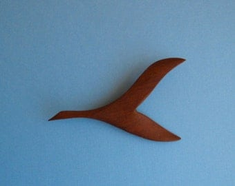 Goose in Flight - Wooden Vintage Pin - Moderne