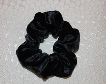 Chauhan, elastic hair black velvet