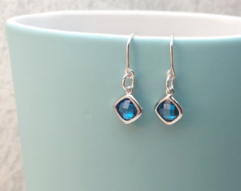 Sapphire Coloured Earrings, Blue Earrings, Blue Stone Earrings, Blue Drop Earrings, Simple Modern Earrings, Glittery Earrings, Silver