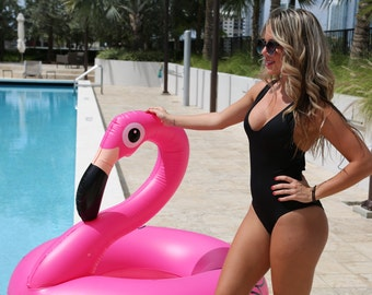Swimsuit // bathing suit // black // bikini // one piece swimsuit // one piece swimsuit woman // bathings suit woman // black swimsuit