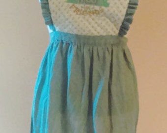 80's Country Apron/ Vintage Apron/ Quilted Bib with ruffle/ Embroidered Welcome Friends/Bottom Ruffle/