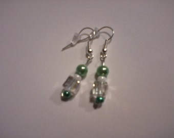 Delicate dangle earrings, light green/white