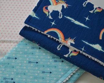 Burp Cloth Set (Unicorns & Rainbows)