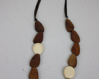 Wooden long necklace