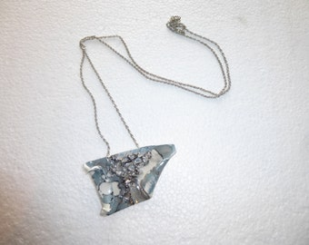 Saltire grey trapezium