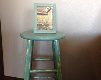Shabby Chic Wood Display Stool & Matching Picture Frame