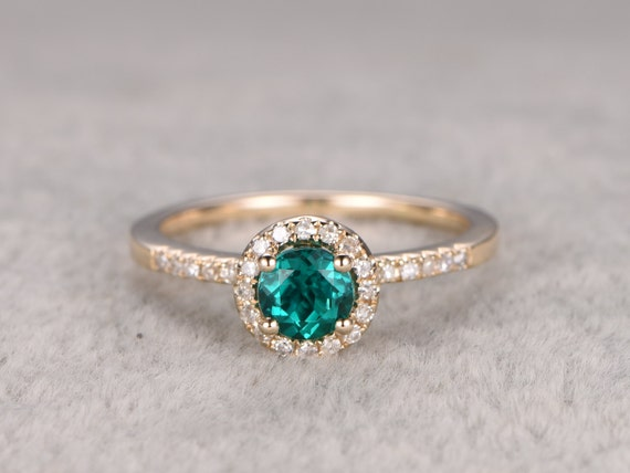 5mm VS Green Emerald Engagement Ring Yellow GoldDiamond