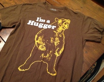 Hugger bear shirt - MD