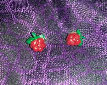 Raspberry stud earrings