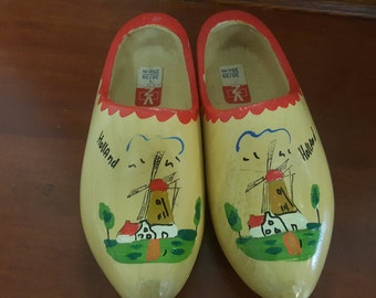 Vintage authentic wooden handmade Dutch shoes, Clogs, Full size dutch shoes, folk art, wooden shoes, handmade wood shoes. handpainted shoes