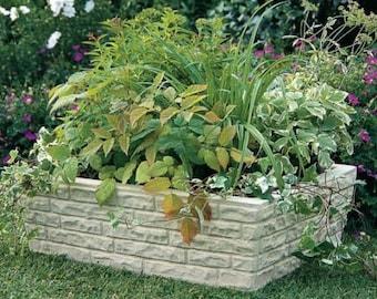Planter manhole cover