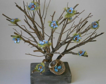Spring Tree Easter Decoration Natural Real Tree Dried Branch Chunky Wood Base Bird Nest Blue Flowers Centrepiece Table Shelf Decoration