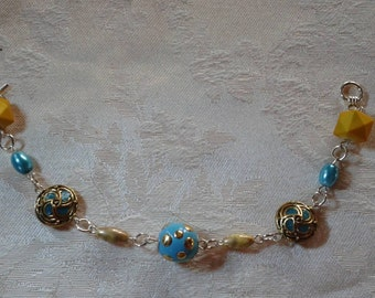 Teal and yellow gold beaded bracelet