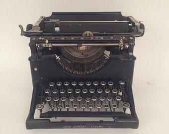 Vintage 1800's Underwood typewriter