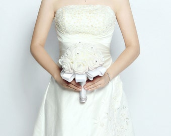Handmade Wedding Flower Bouquets White Rose Flower with Silk Pearls - White