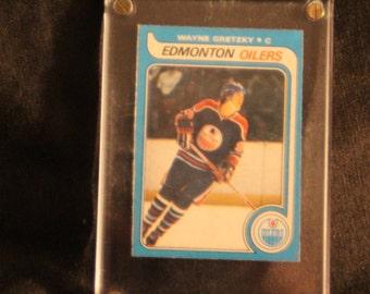Wayne Gretzky  o-pee-chee rookie hockey card