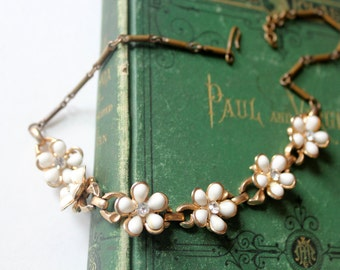 Vintage Enamel Flower Necklace White and Gold