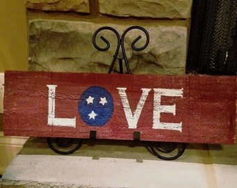 TN Love pallet sign
