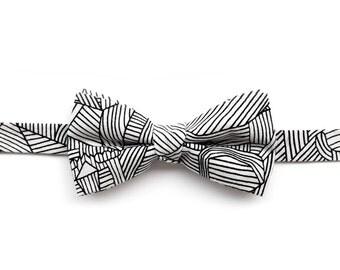Pre tied bow tie | Kyoto - black and white