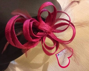 Bow Fascinator with feathers. Damson colour.