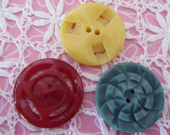 Vintage Buttons 3 French Casein Art Deco Buttons Green Yellow Red 24mm (approx 1 inch) diameter