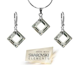 Set Made with Crystals from Swarovski ® Componenents