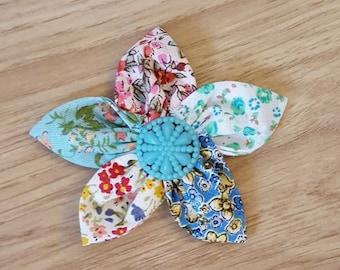 Handmade vintage style fabric brooch.