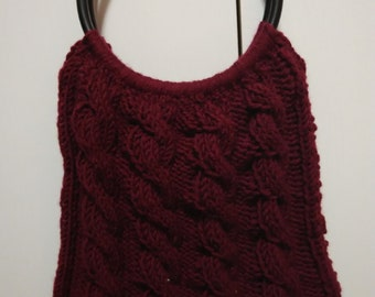 knit cable purse crimson with wooden black handles and liner