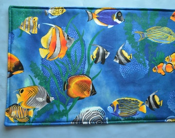 Set of 6 placemats & 2 pot holders, fish placemats,cloth placemats, gift, birthday gift, pot holders, aquatic