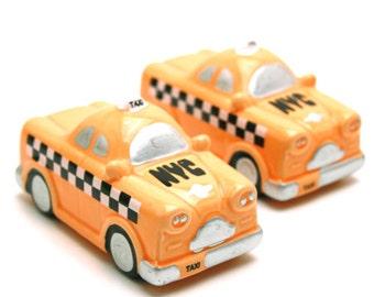 Ceramic New York Taxi Salt and Pepper Shaker